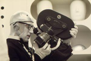 Woody Allen_LooksThruCamera1